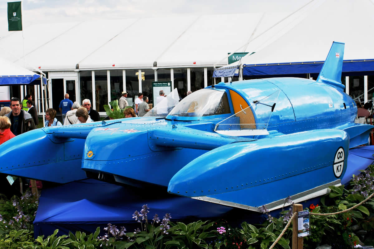 4 of the Fastest Boats Ever Built