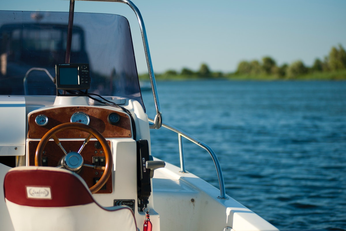 Five Benefits of Owning a Power Boat