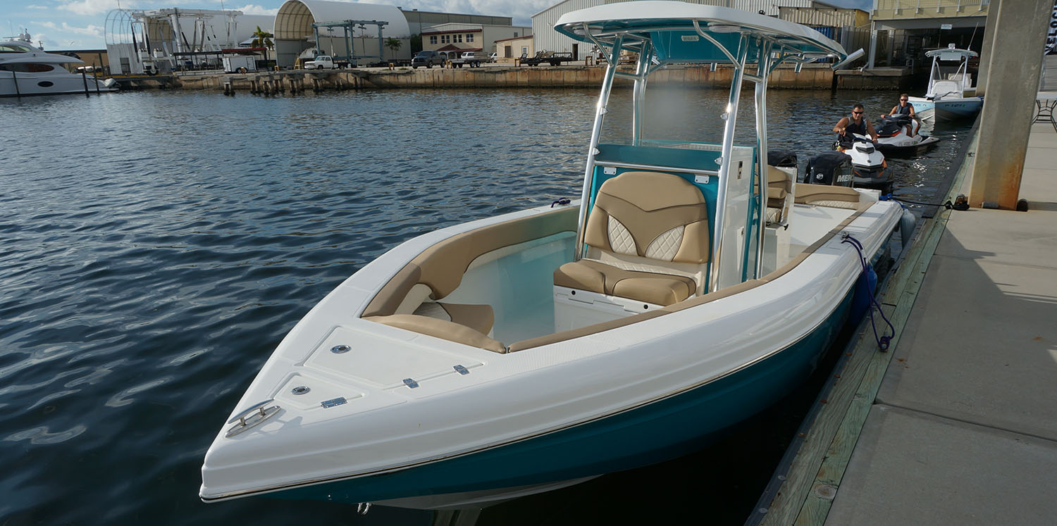 220 Bay - Velocity Center Console Boats